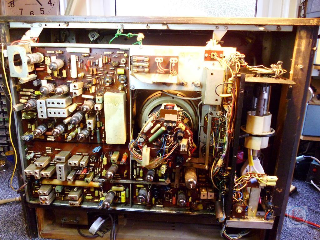 1967 Philips G25K502 – Radios-TV