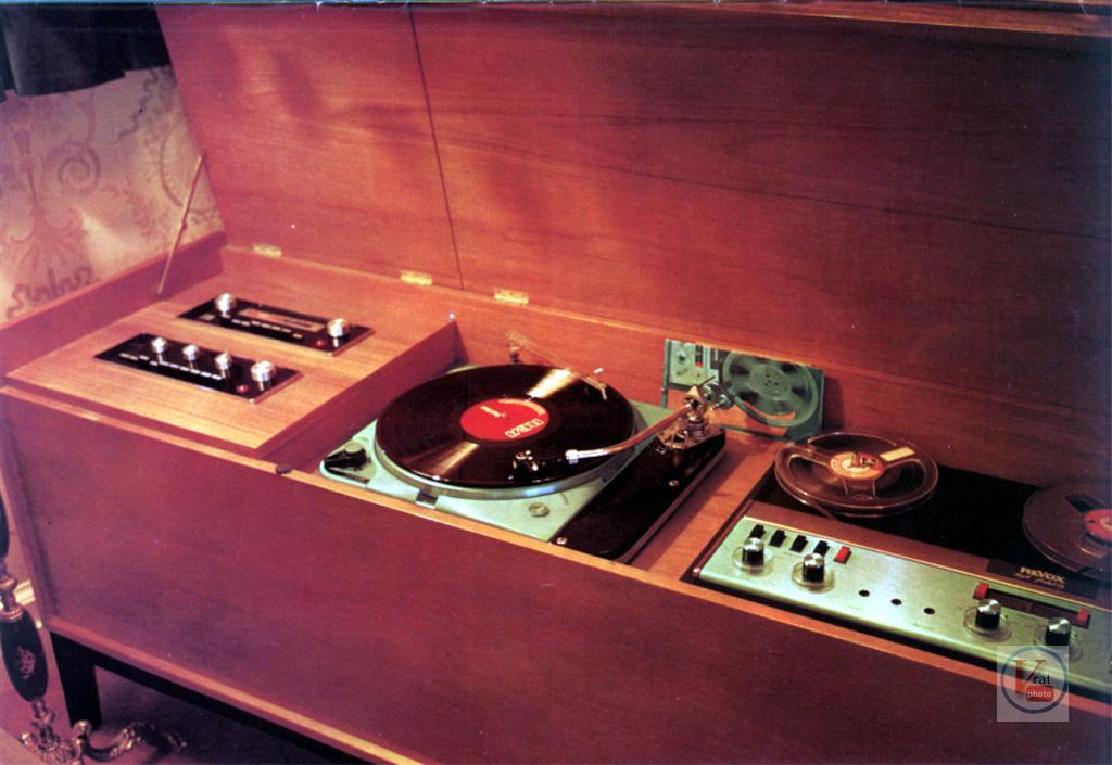 J.E.Sugden  Amplifiers 58