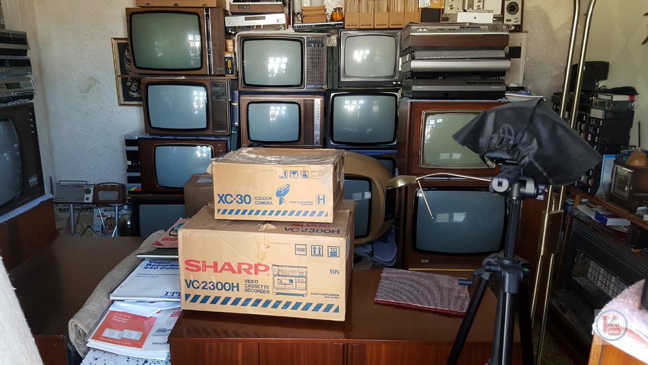 1981 Sharp VC2300H & XC30 Colour Camera 1