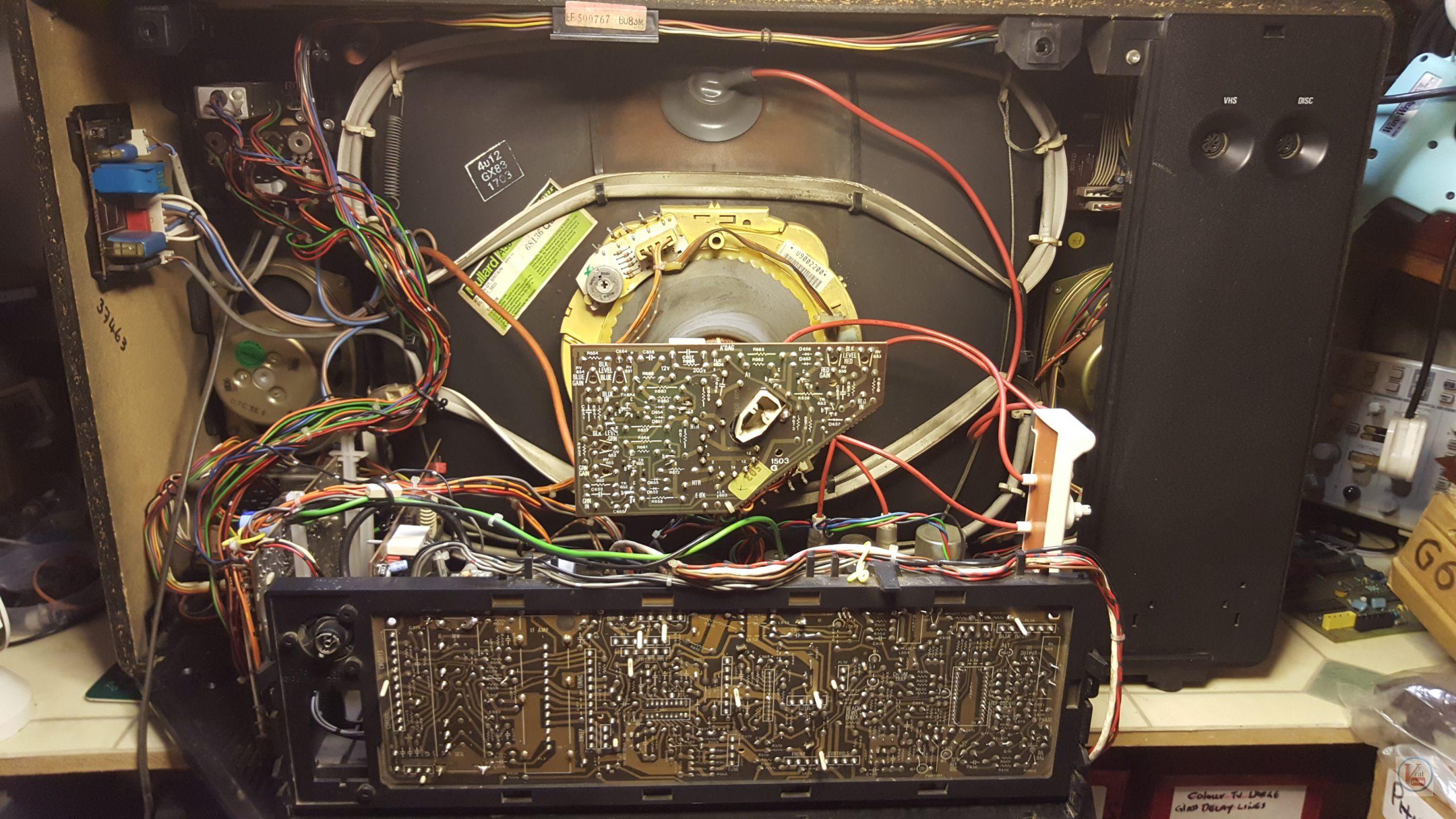 """1982 22"""" MultiBroadcast Super Stereo 6083M 5"""