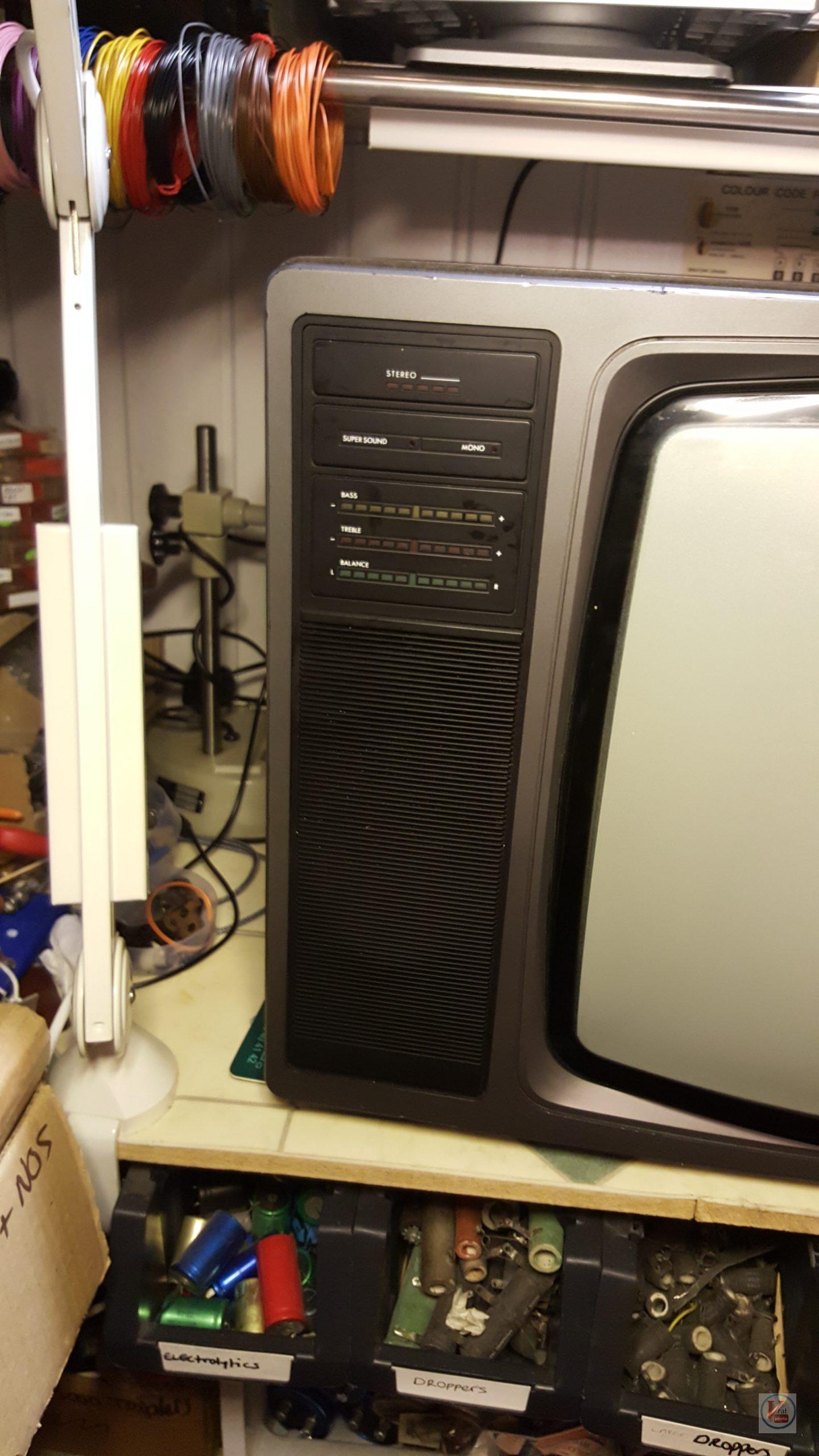 """1982 22"""" MultiBroadcast Super Stereo 6083M 4"""