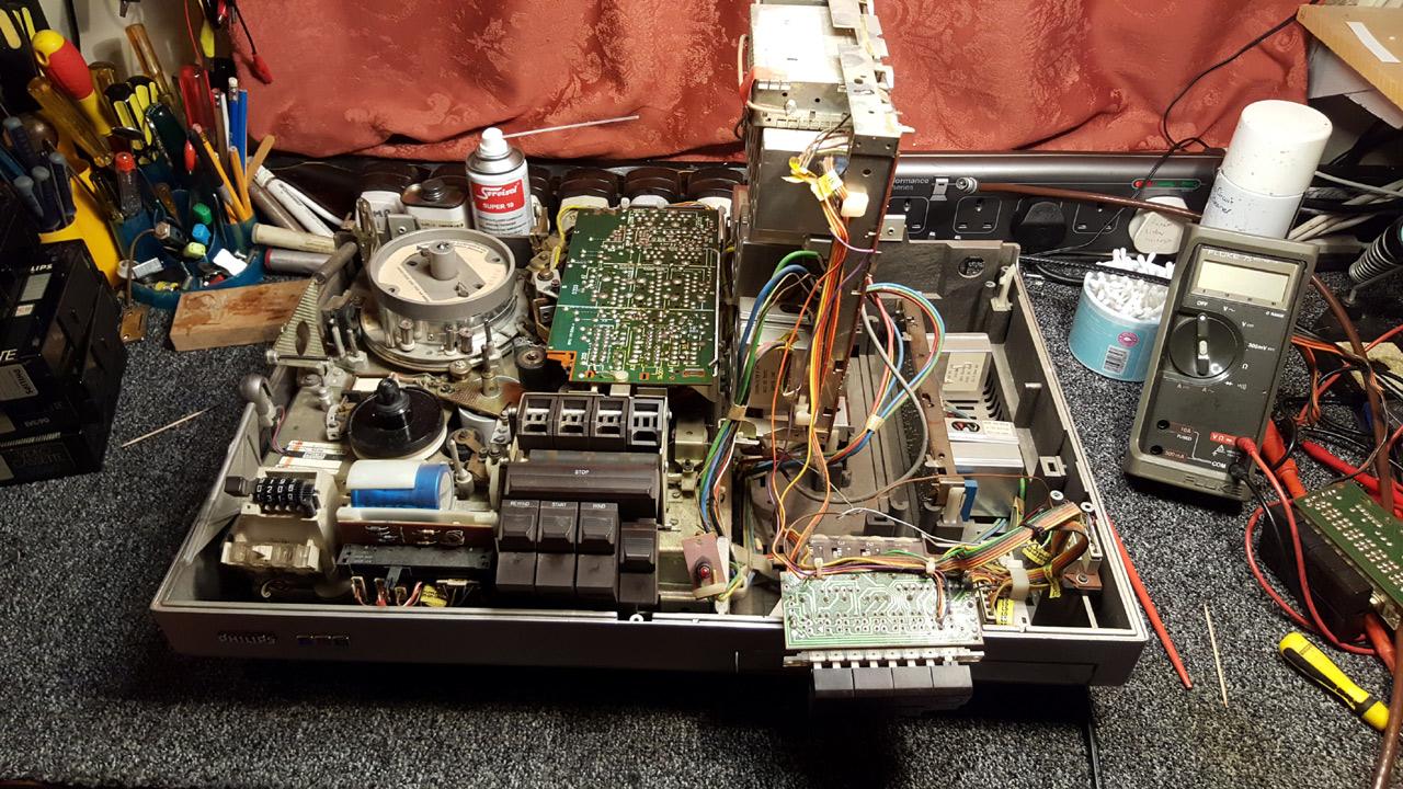 1977 Philips N1700 14