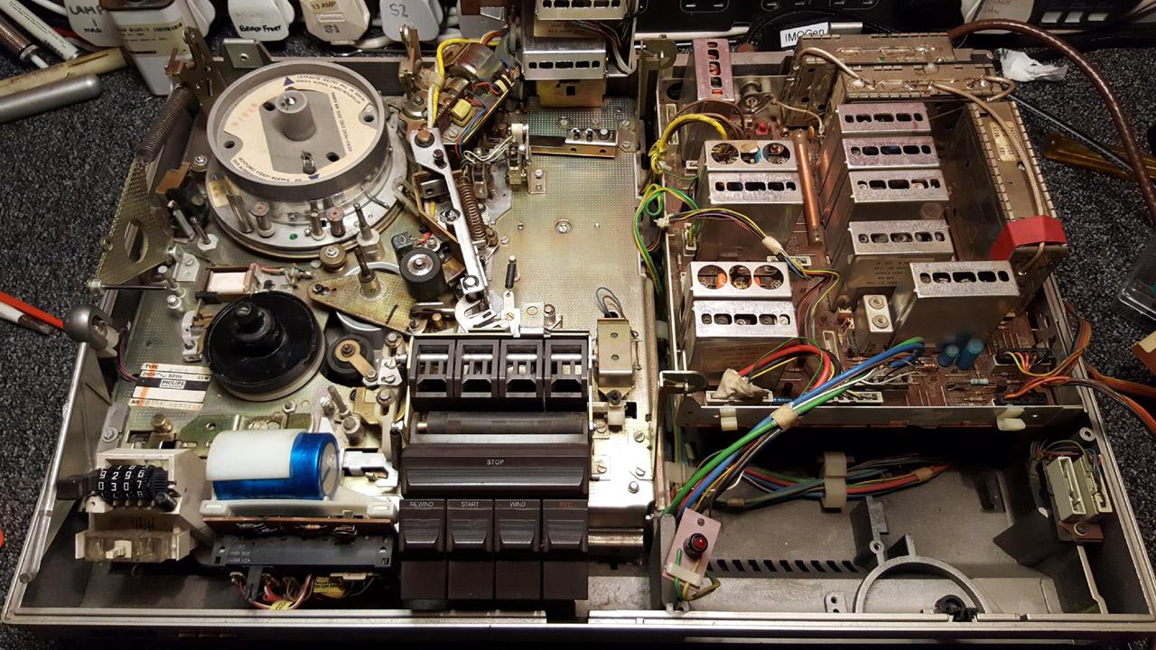 1977 Philips N1700 27